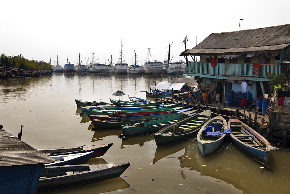 Village at old harbour, Sunda Kelapa, Jakarta, Indonesia, Southeast Asia, Asia