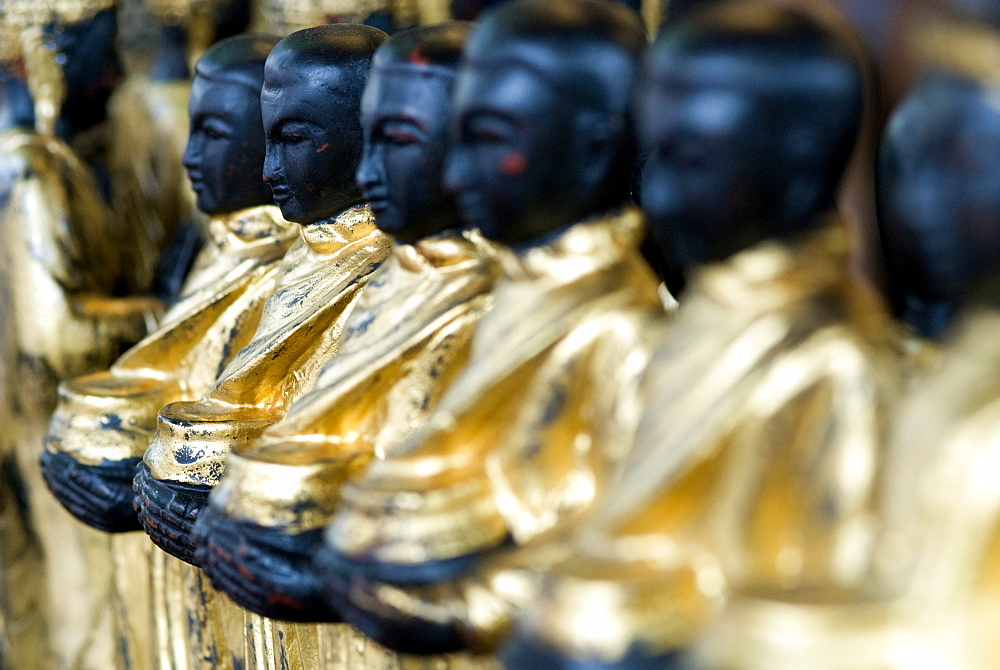Wooden Buddhas, Chatuchak weekend market, Bangkok, Thailand, Southeast Asia, Asia - 784-231