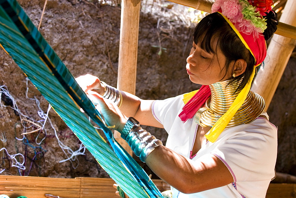 Long neck woman weaving, Karen Padaung, Chiang Mai, Thailand, Southeast Asia, Asia - 784-260