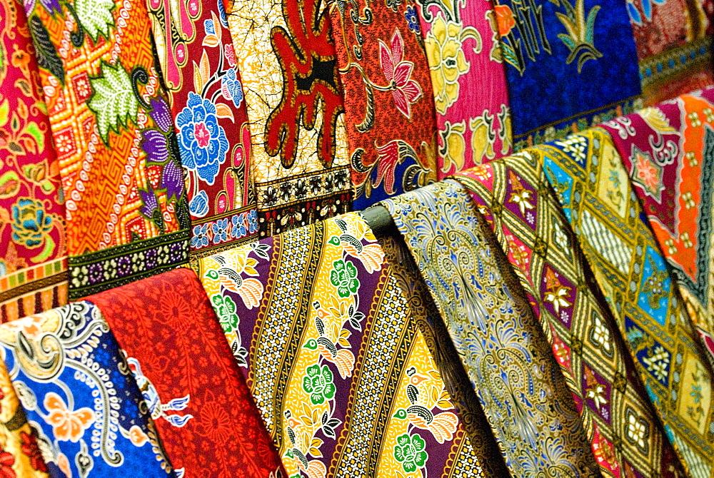 Silk scarves, Chatuchak weekend market, Bangkok, Thailand, Southeast Asia, Asia - 784-284