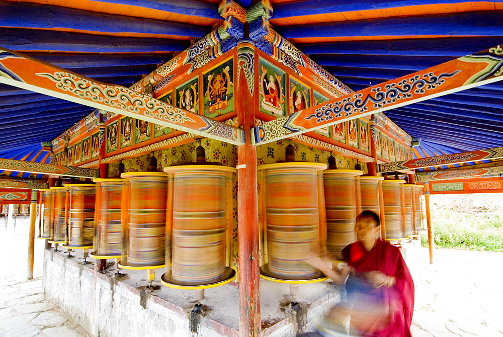 Spinning prayer wheels, Xiahe monastery, Xiahe, Gansu, China, Asia - 784-49