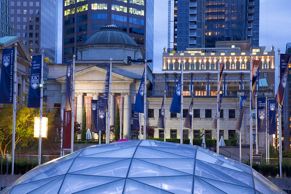 The dome of the Ice Rink and Vancouver Art Gallery at night, Robson Square, Downtown, Vancouver, British Columbia, Canada, North America