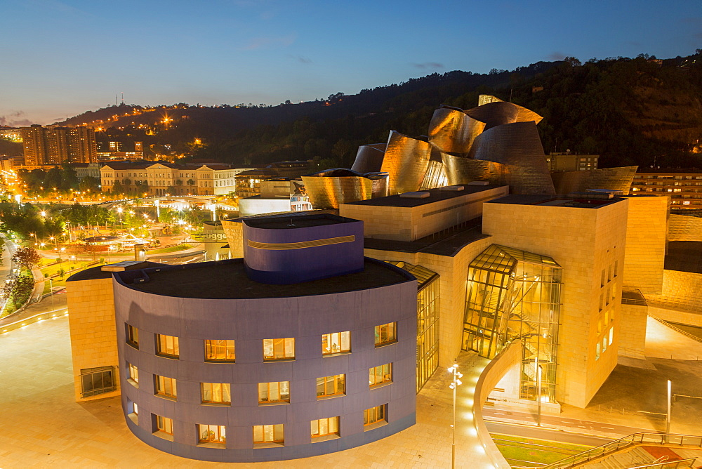 The Guggenheim Museum, designed by Frank Gehry, Bilbao, Biscay (Vizcaya), Basque Country (Euskadi), Spain, Europe - 785-2107