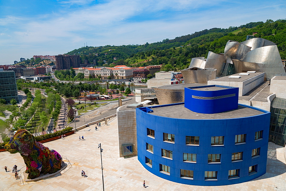 The Guggenheim Museum, designed by Frank Gehry, Bilbao, Biscay (Vizcaya), Basque Country (Euskadi), Spain, Europe - 785-2113