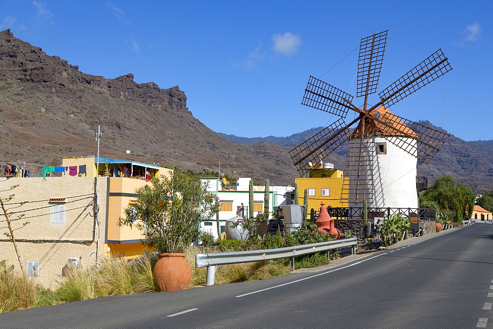 Traditional restored windmill, Molino de Viento, in Barranco de Mogan, near the village of Mogan, Gran Canaria, Canary Islands, Spain, Atlantic, Europe - 785-2310