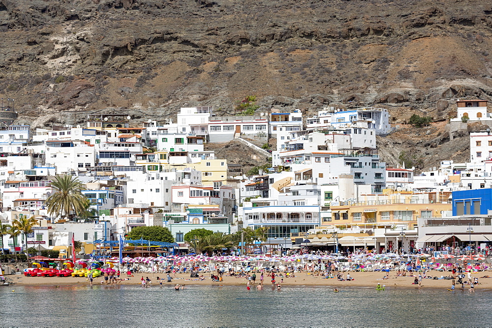 People enjoying the beach at Puerto de Mogan, Gran Canaria, Canary Islands, Spain, Atlantic, Europe - 785-2313