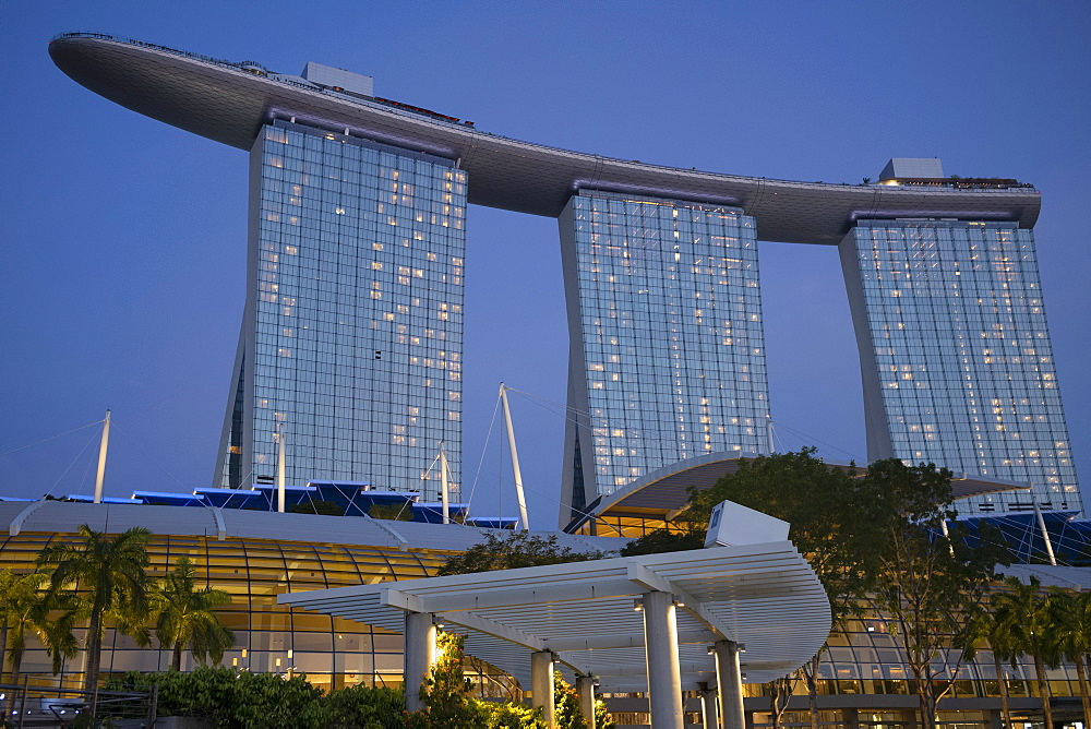 The Marina Bay Sands Hotel in Marina Bay at dusk, Singapore, Southeast Asia, Asia - 785-2398