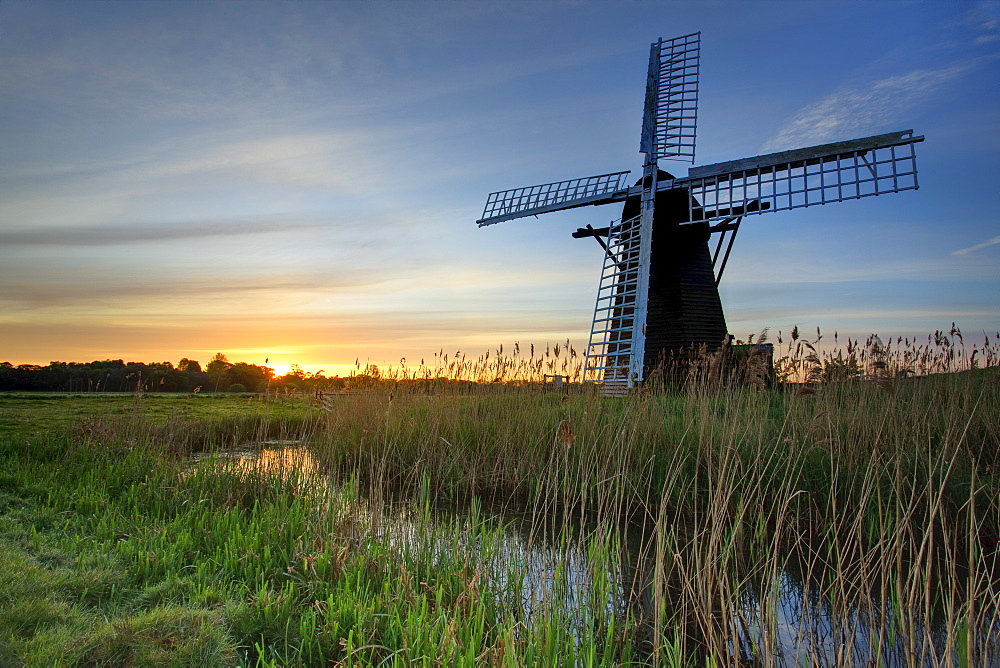 Sunrise at Herringfleet, Suffolk, England, United Kingdom, Europe - 790-44