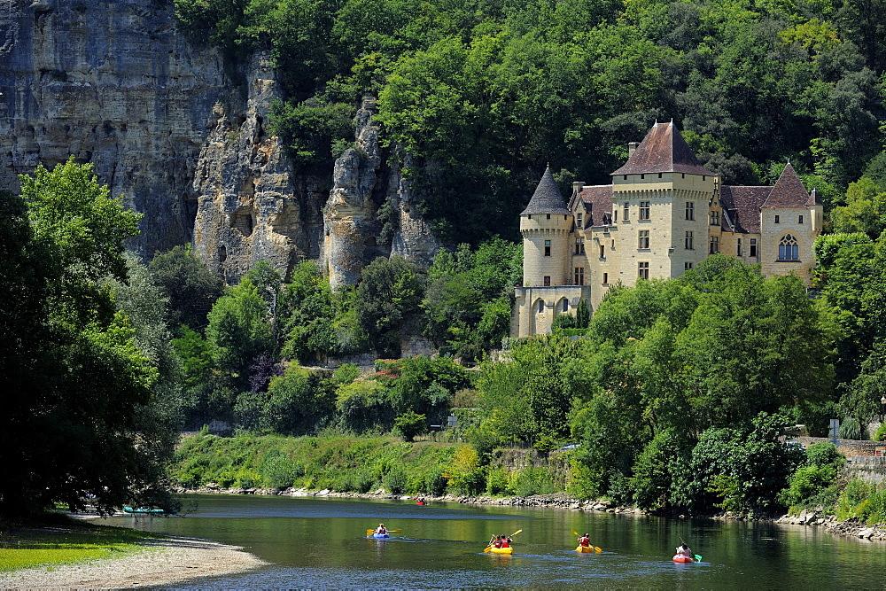Chateau de la Malartrie, on the River Dordogne, La Roque-Gageac, Dordogne, France, Europe