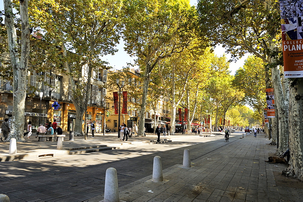 Cours Mirabeau and Rue Paul Doumer, Aix-en-Provence, Bouches-du-Rhone, Provence, France, Europe