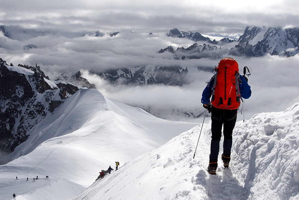 Mountaineers and climbers, Mont Blanc range, French Alps, France, Europe - 792-6