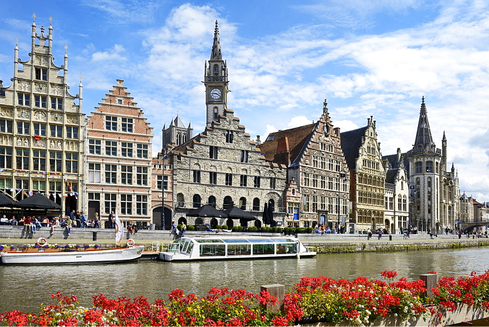 Sightseeing boats on River Leie and Medieval guild houses on Graslei Quay, Ghent, Flanders, Belgium, Europe