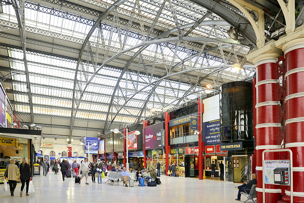 Interior of Lime Street Railway Station, Liverpool, Merseyside, England, United Kingdom, Europe