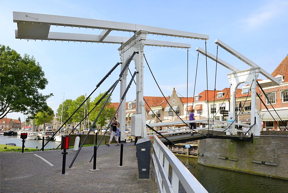 Bascule Bridge (Draw Bridge) and houses in the port of Enkhuizen, North Holland, Netherlands, Europe - 792-771
