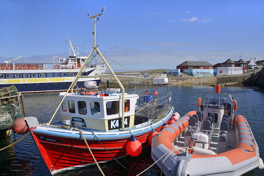 Fishing boat and rigid-inflatable boat in the harbour, John O'Groats, Caithness, Highland Region, Scotland, United Kingdom, Europe - 792-785