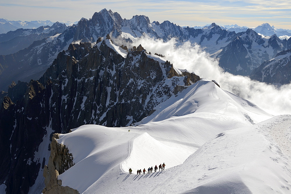 Mountaineers and climbers, Aiguille du Midi, Mont Blanc Massif, Chamonix, Haute Savoie, French Alps, France, Europe - 792-792