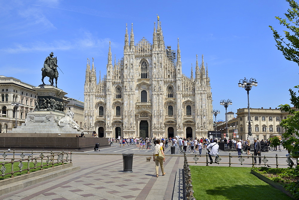 Milan Cathedral (Duomo), Piazza del Duomo, Milan, Lombardy, Italy, Europe - 792-813