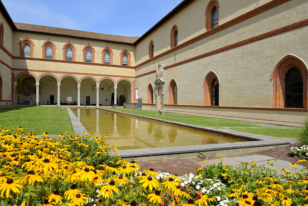 Garden in the Ducal Courtyard, Sforzesco Castle (Castello Sforzesco), Milan, Lombardy, Italy, Europe - 792-814
