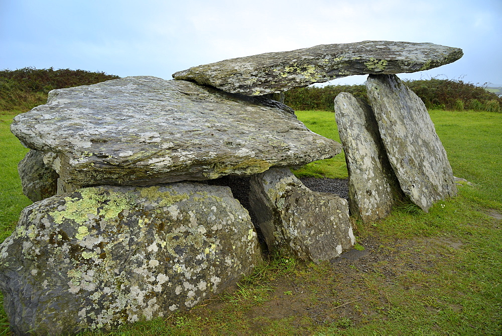 Stone Age Wedge Tomb, Altar, Wild Atlantic Way, County Cork, Munster, Republic of Ireland, Europe