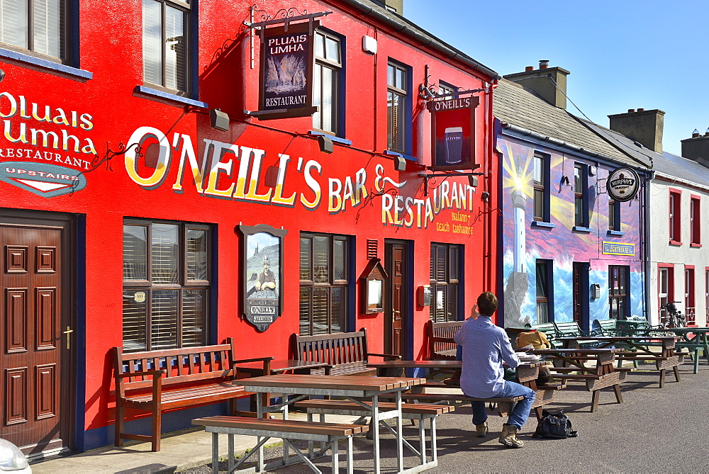 Painted Bars and Restaurant, Allihies, Beara Peninsular, Wild Atlantic Way, County Cork, Munster, Republic of Ireland, Europe - 792-842