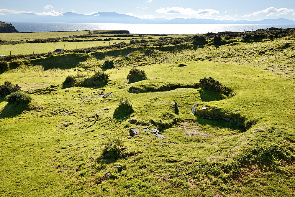 Iron Age Beehive Houses, Slea Head Drive, Dingle Peninsula, Wild Atlantic Way, County Kerry, Munster, Republic of Ireland, Europe