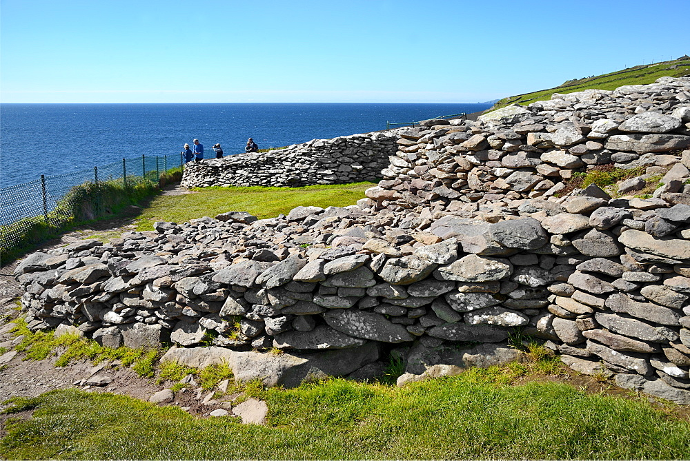 Dunbeg Promontory Fort, Slea Head Drive, Dingle Peninsula, Wild Atlantic Way, County Kerry, Munster, Republic of Ireland, Europe - 792-850