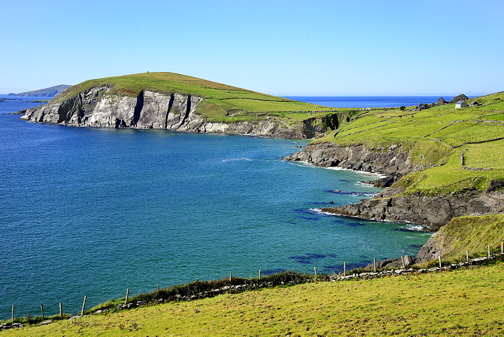 View of Slea Head, Slea Head, Dingle Peninsula, Wild Atlantic Way, County Kerry, Munster, Republic of Ireland, Europe - 792-854