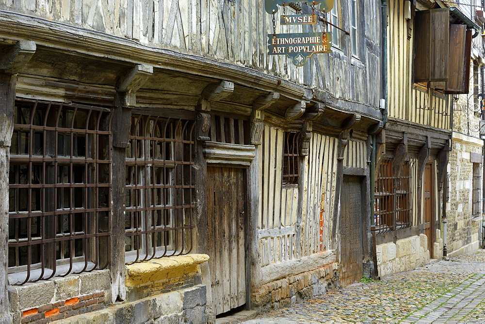Museum of Ethnography, medieval half timbered building, Rue de la Prison, Honfleur, Basse Normandie (Normandy), France, Europe - 792-860