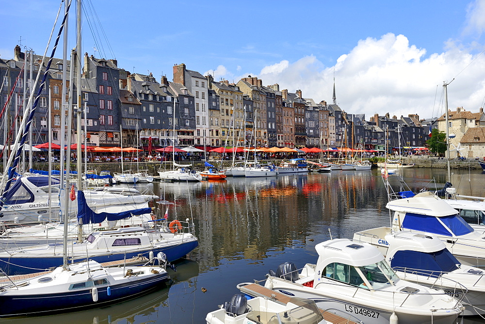 The Vieux Bassin, Old Harbour, St. Catherine's Quay, Honfleur, Calvados, Basse Normandie (Normandy), France, Europe - 792-863