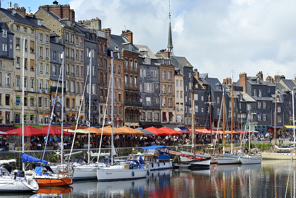 The Vieux Bassin, Old Harbour, St. Catherine's Quay, Honfleur, Calvados, Basse Normandie (Normandy), France, Europe - 792-864