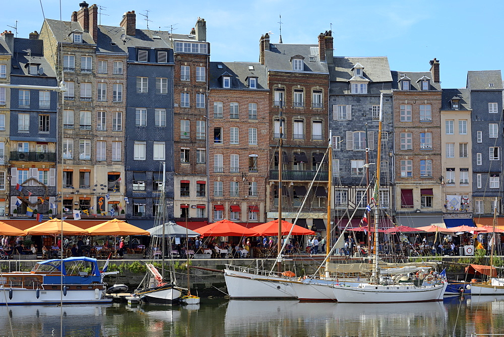 The Vieux Bassin, Old Harbour, St. Catherine's Quay, Honfleur, Calvados, Basse Normandie (Normandy), France, Europe - 792-865
