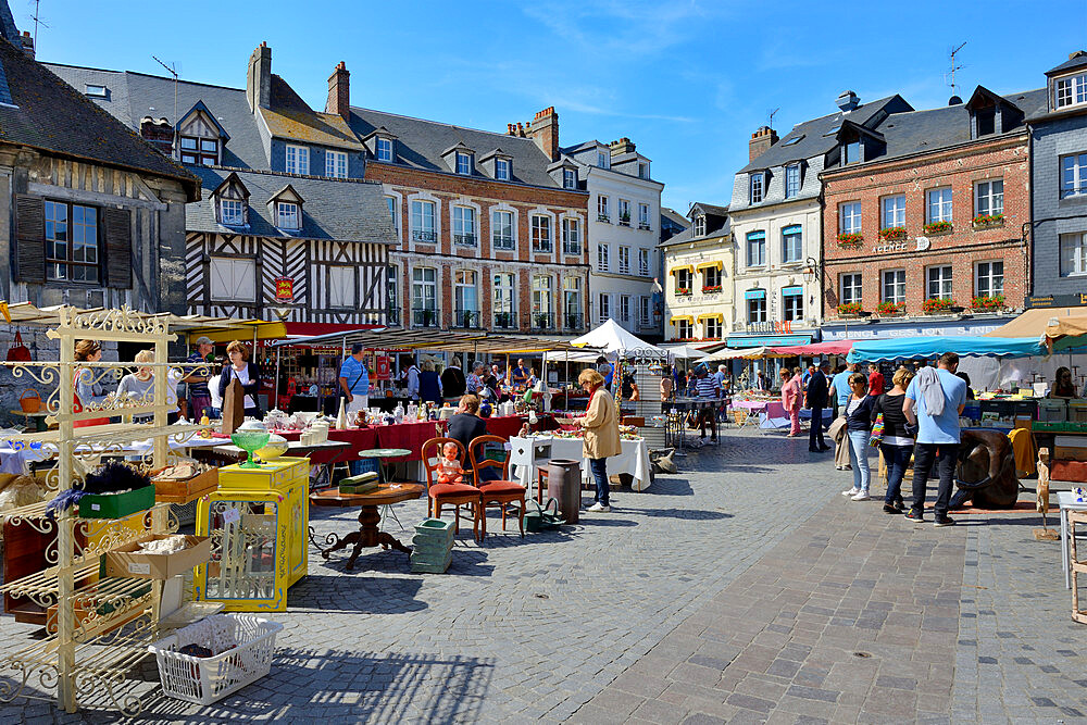 Flea Market, Brocante, Place Sainte Catherine, Honfleur, Calvados, Basse Normandie, Normandy, France, Europe