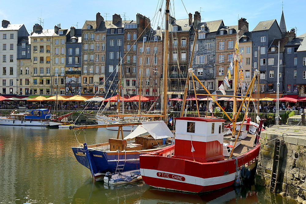 The Vieux Bassin (Old Harbour) and St. Catherine's Quay, Honfleur, Calvados, Basse Normandie (Normandy), France, Europe - 792-873