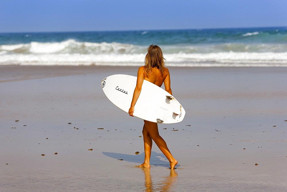 Woman, Esquinzo beach, Cotillo, Fuerteventura. Canary Islands, Spain, Atlantic, Europe - 793-1014