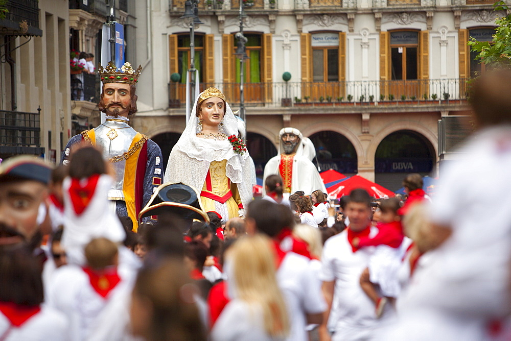 Giants of Pamplona procession, San Fermin Fiesta, Plaza del Castillo, Pamplona, Navarra, Spain, Europe - 793-1145
