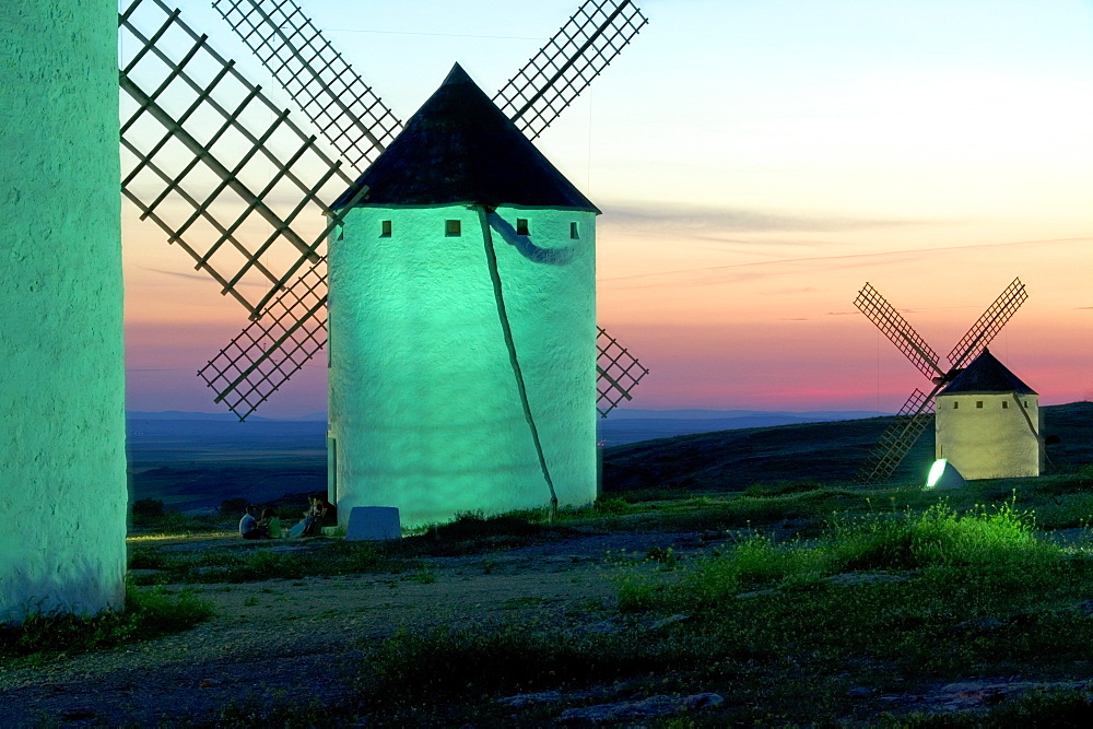 Windmills, Campo de Criptana, La Mancha, Spain, Europe - 793-146