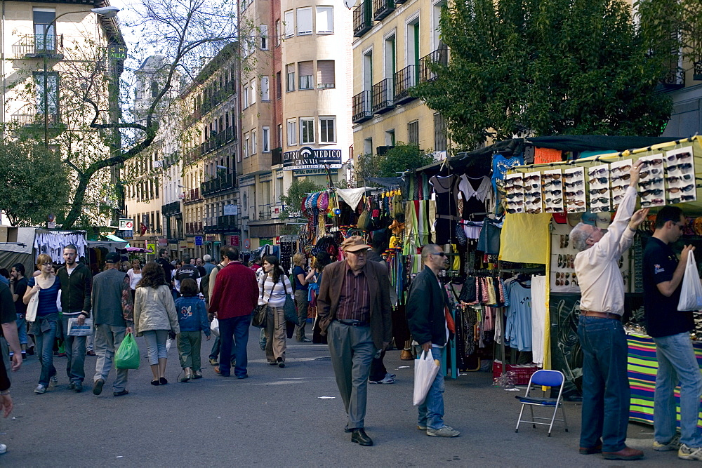 Rastro Sunday Market, Barrio la Latina, Madrid, Spain, Europe