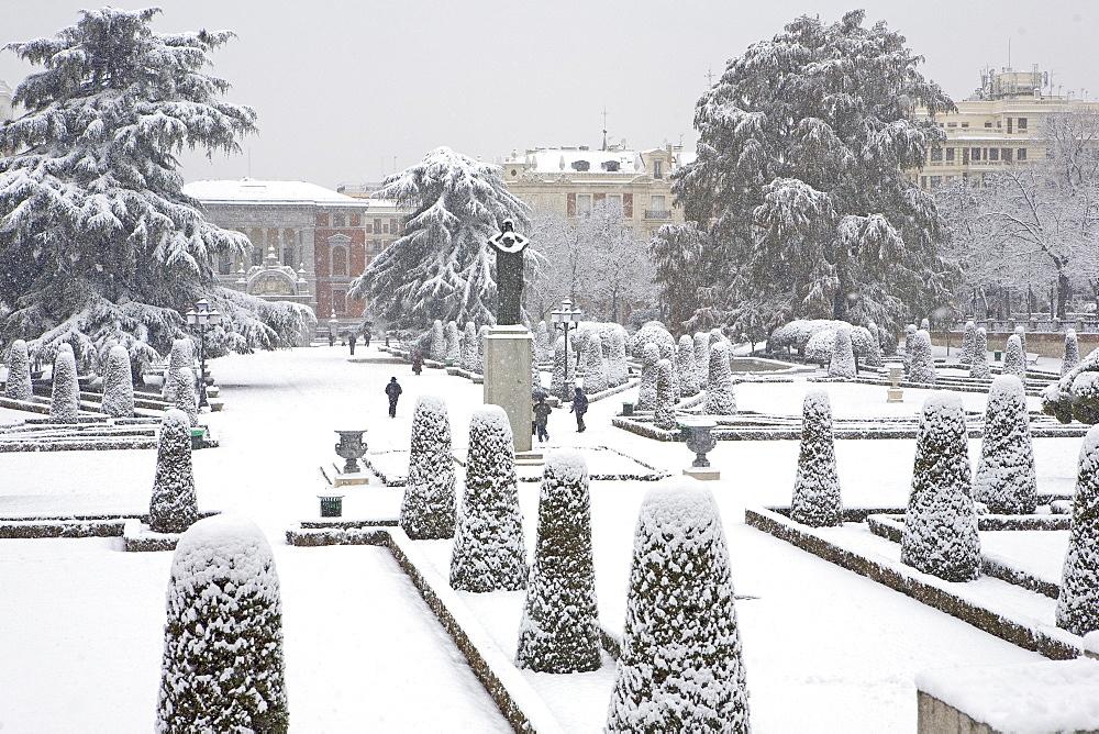 Retiro Park under snow, Madrid, Spain, Europe