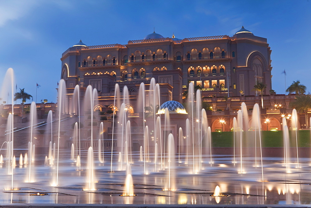 Water fountains in front of the Emirates Palace Hotel, Abu Dhabi, United Arab Emirates, Middle East