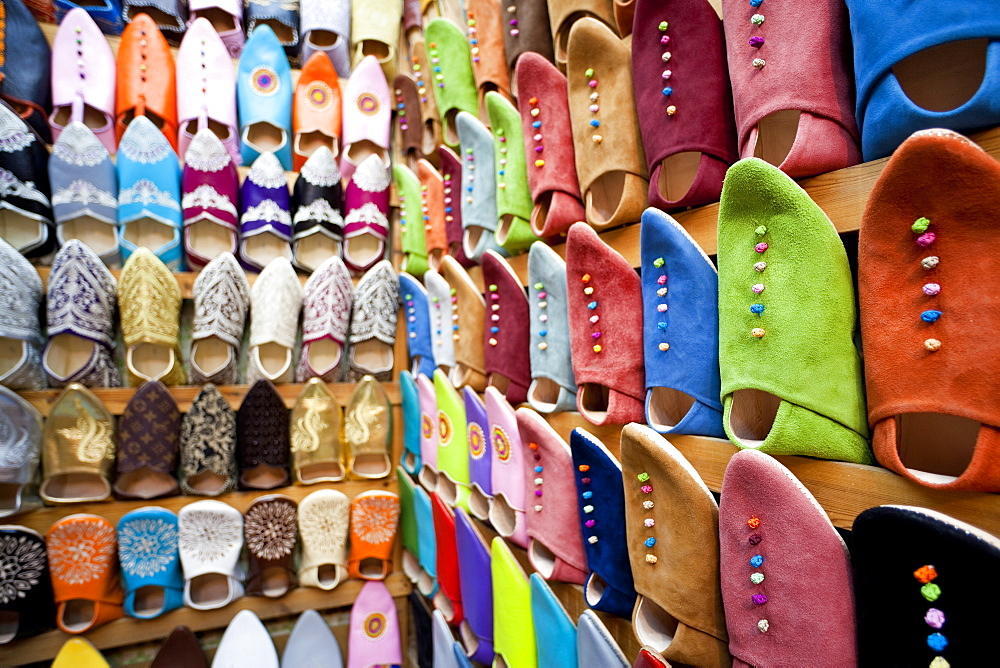 Soft leather Moroccan slippers in the Souk, Medina, Marrakesh, Morocco, North Africa, Africa - 794-1279