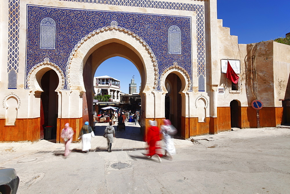 Entrance to the Medina, Souq, Bab Boujeloud (Bab Bou Jeloud) (Blue Gate), Fez, Morocco, North Africa, Africa