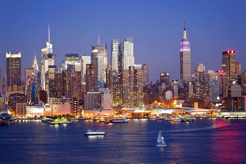 View of Midtown Manhattan across the Hudson River, Manhattan, New York City, New York, United States of America, North America - 794-1405