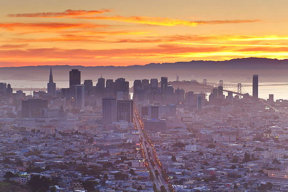 City skyline viewed from Twin Peaks, San Francisco, California, United States of America, North America