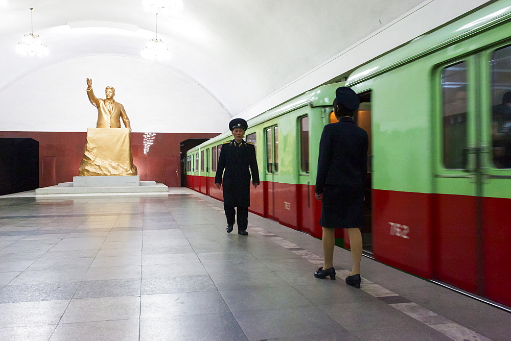 One of the many 100 metre deep subway stations on the Pyongyang subway network, Pyongyang, Democratic People's Republic of Korea (DPRK), North Korea, Asia