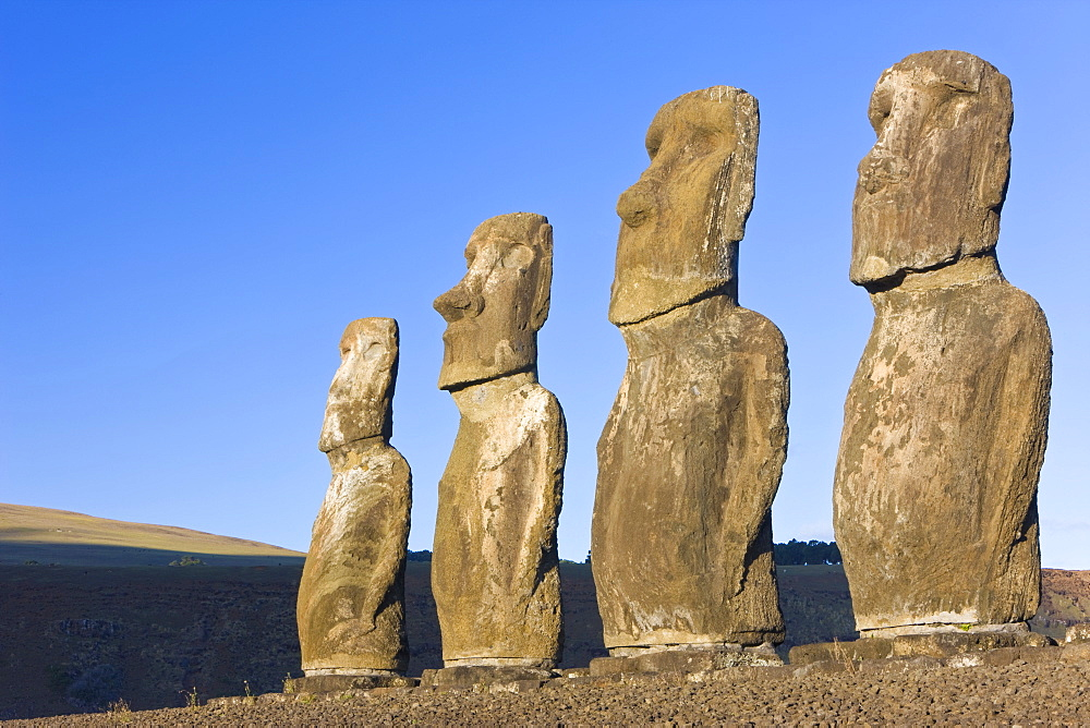 Ahu Tongariki, the largest ahu on the Island, Tongariki is a row of 15 giant stone Moai statues, Rapa Nui (Easter Island), UNESCO World Heritage Site, Chile, South America
