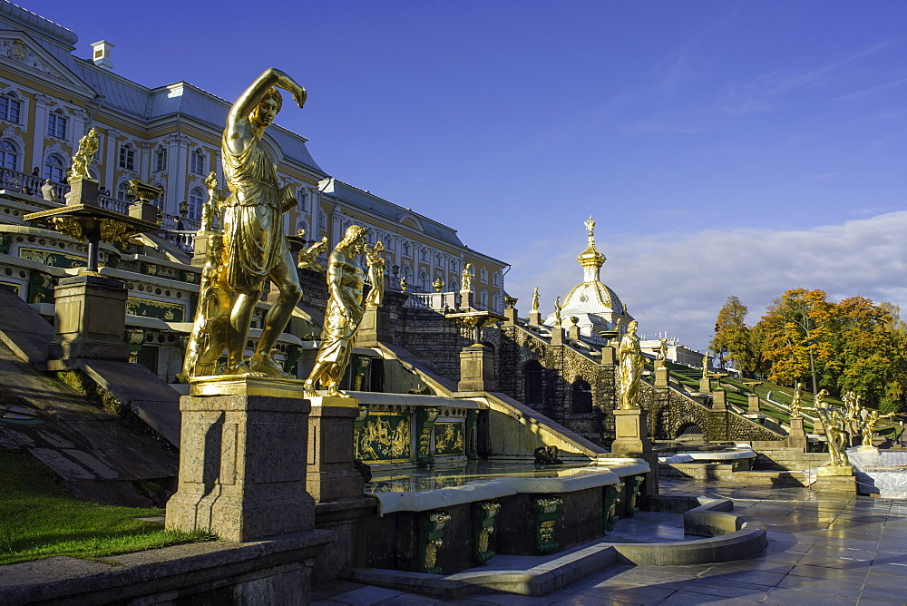 Petrodvorets (Peterhof) (Summer Palace), near St. Petersburg, Russia, Europe