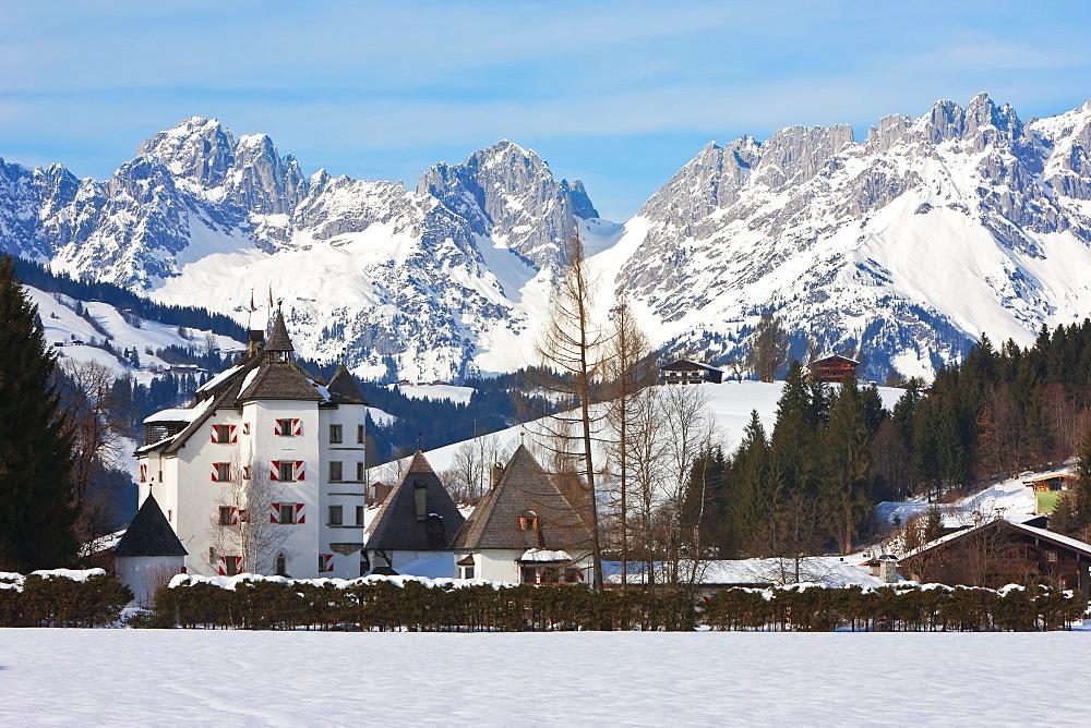 Kitzbuhel and the Wilder Kaiser mountain range, Tirol, Austrian Alps, Austria, Europe