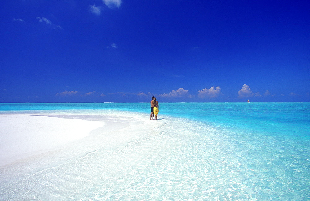 Couple at the beach, Baa atoll, Maldives, Indian Ocean, Asia