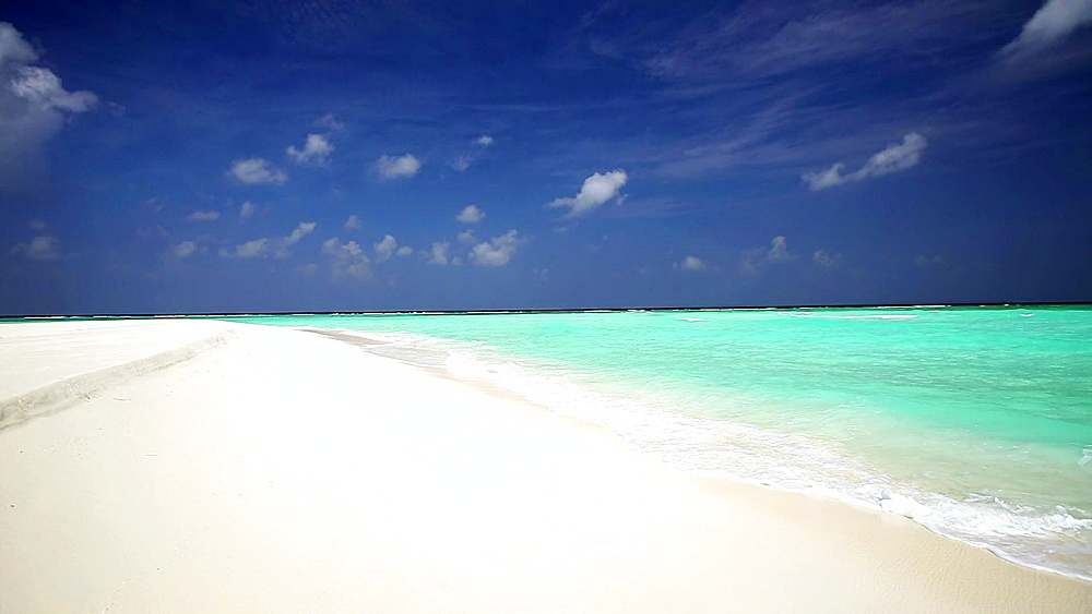 Tropical beach in Baa Atoll, Maldives, UNESCO World Biosphere Reserve  - 795-512