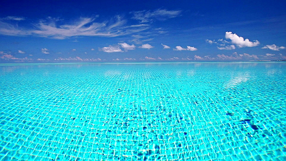 Infinity pool, Maldives, Indian Ocean  - 795-514